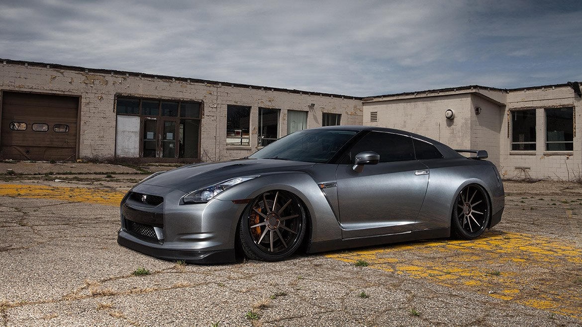 vehicle-nissan-gt-r-1.jpg